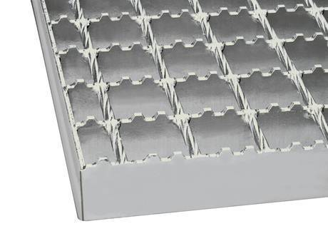 Physical map of periodic trapezoidal grooves on the serrated welded steel grating's bearing bar.