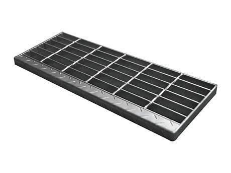 带有方格板突缘的镀锌焊接楼梯踏板钢格板。