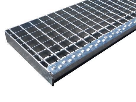 带有圆孔板突缘的焊接楼梯踏板钢格板。